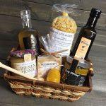 Geschenkkorb mit Honigprodukten